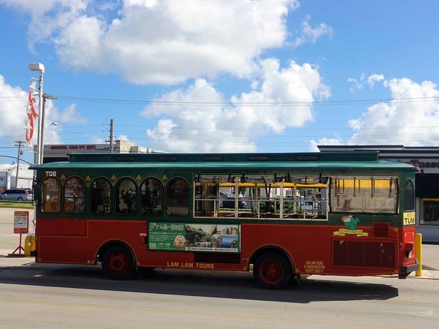 赤いシャトルバス 12_edit