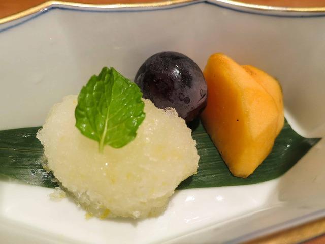 デザート(自家製レモンシャーベット,巨峰,柿) 2_edit