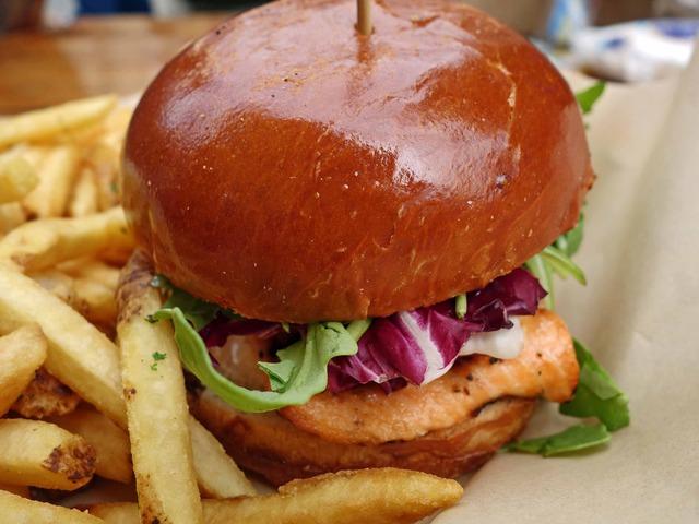 Grilled Salmon Burger 3_edit