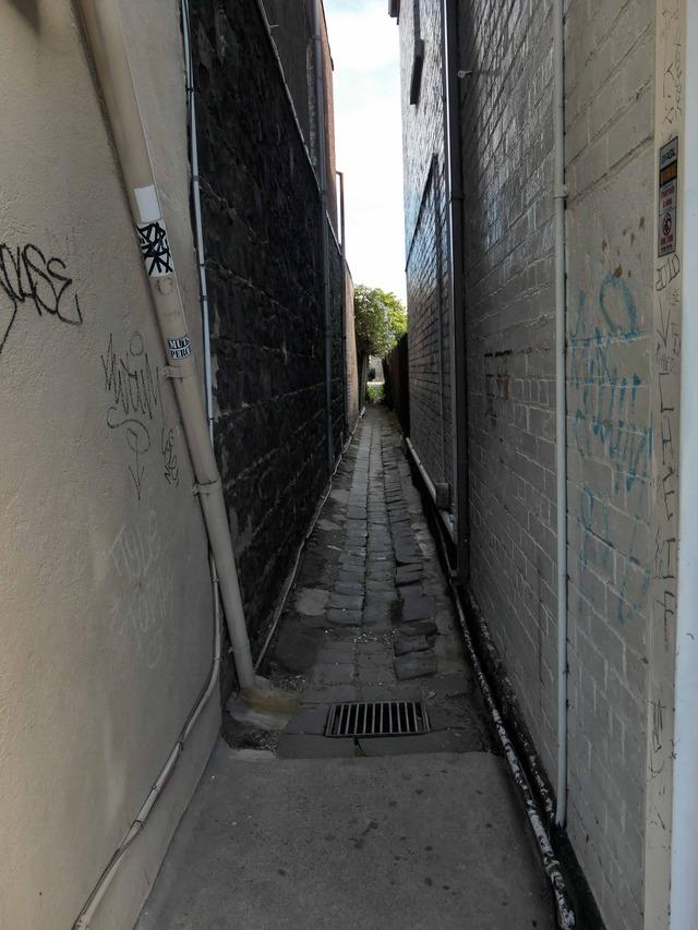 Nelson Place から小路を望む 2_edit