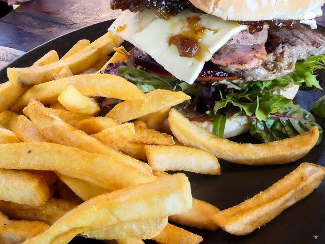 Rib Fillet Works Burger 4_edit