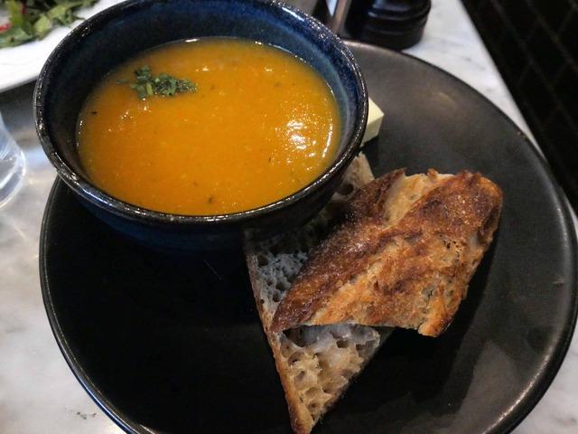 本日のスープ(ジャガイモと人参のスープ) 1_edit