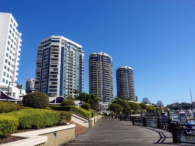 Riverside Promenade 2_edit
