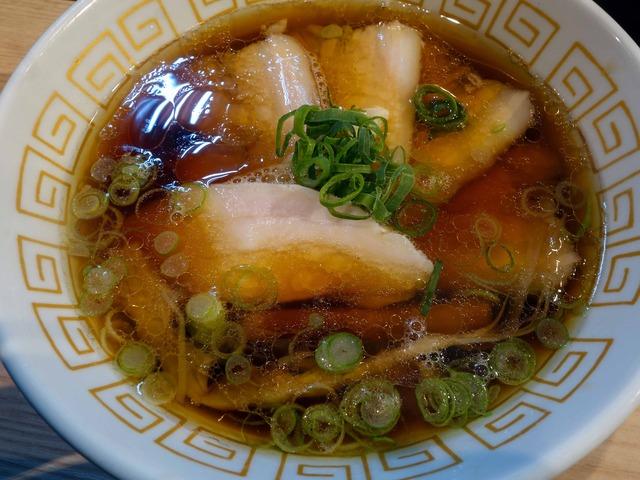 チャーシュー醤油らぁ麺 1_edit