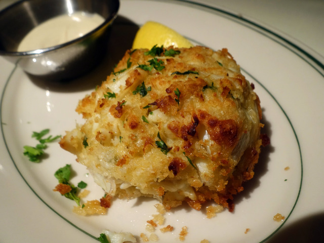 Colossal Lump Crab Cake 1_edit