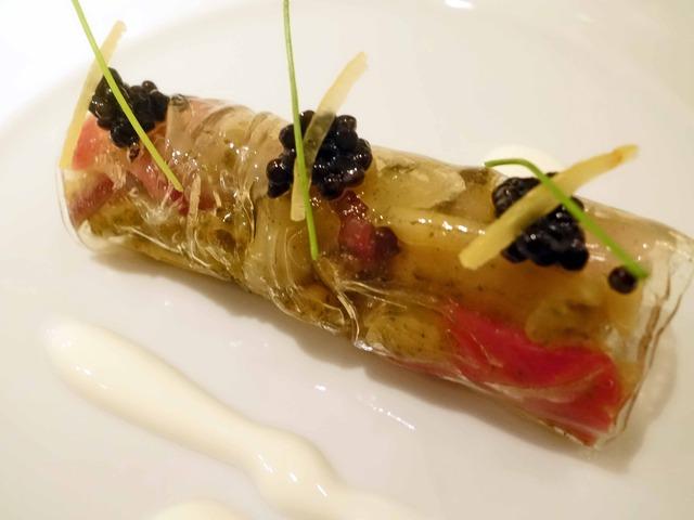 アワビと肝・根菜のカネロニ仕立て キャビアのせ 4_edit