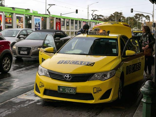 タクシー(フリンダース・ストリート駅)_edit