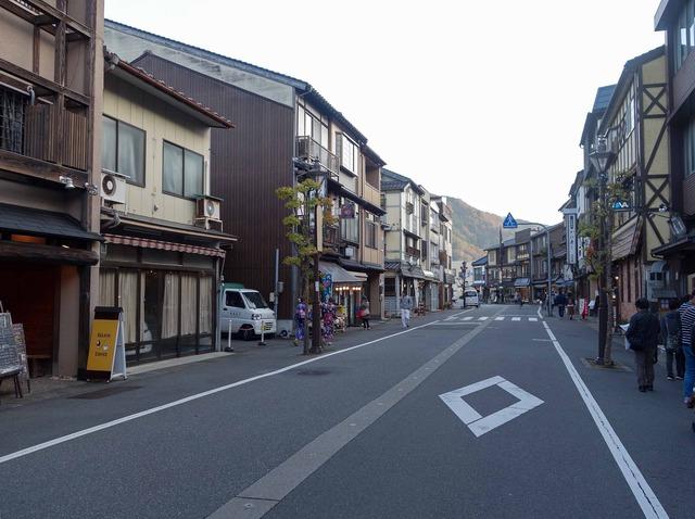 駅前通り 4_edit