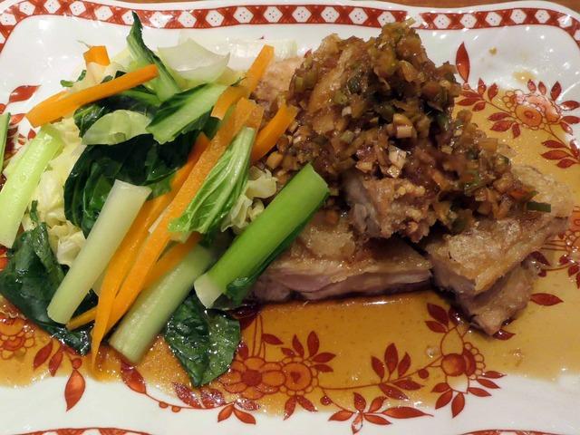 大山鶏もも肉サクサク揚げ薬味ソースかけ,旬野菜添え 1_edit