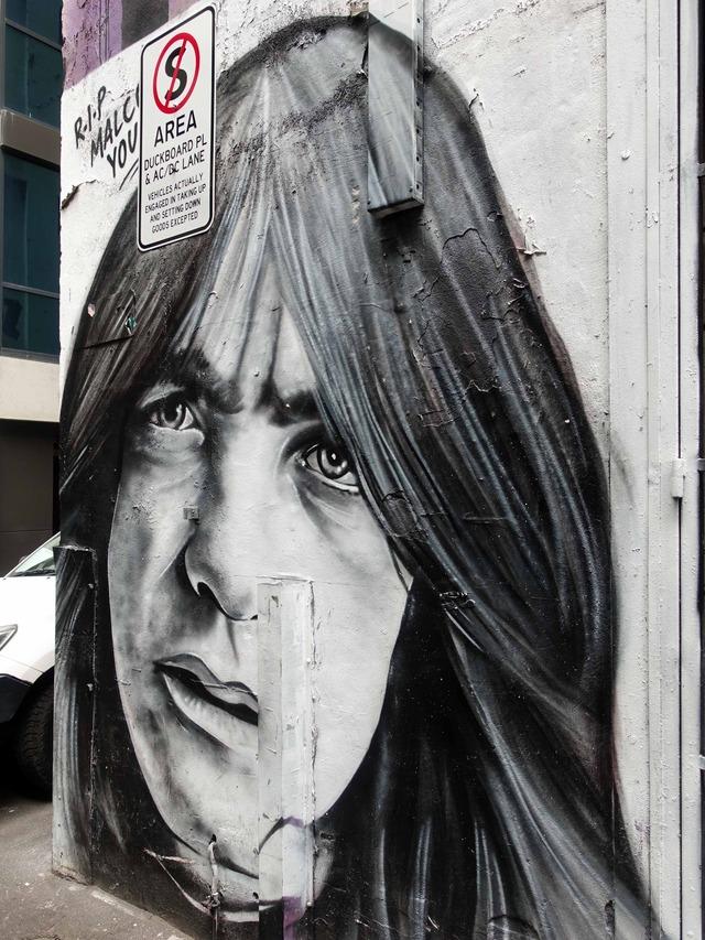 AC/DC Lane 8_edit
