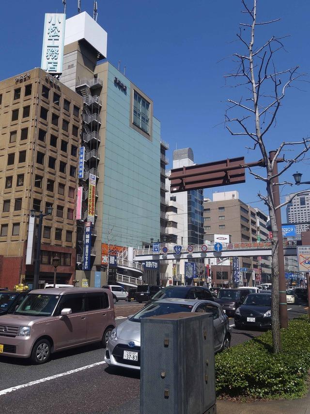 広島電鉄袋町駅前の鯉城通り_edit