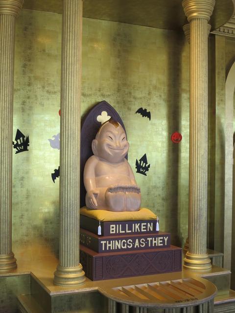 展望台の黄金のビリケン神殿