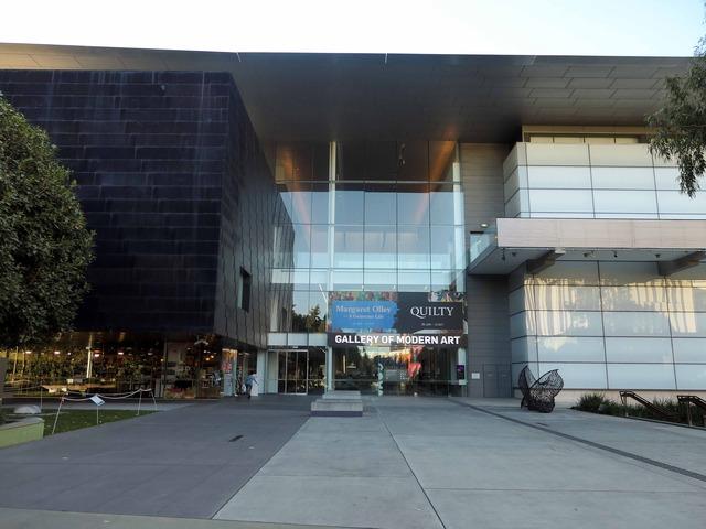 クイーンズランド現代美術館 1_edit