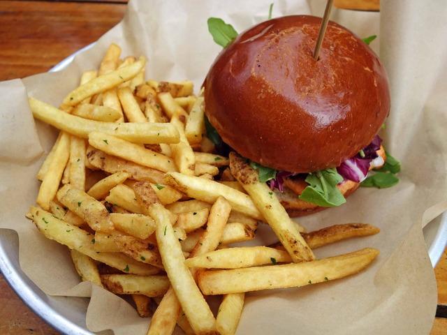 Grilled Salmon Burger 2_edit