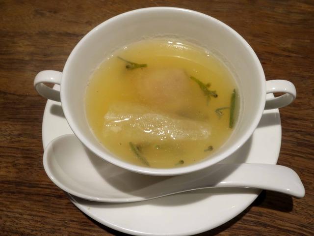ハマグリ,キヌガサ茸,ジュンサイの上湯スープ 1_edit