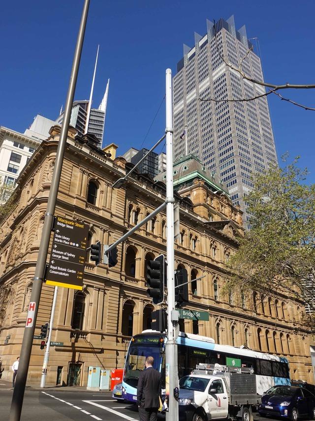 Macquarie St と Bridge St の交差点 2_edit