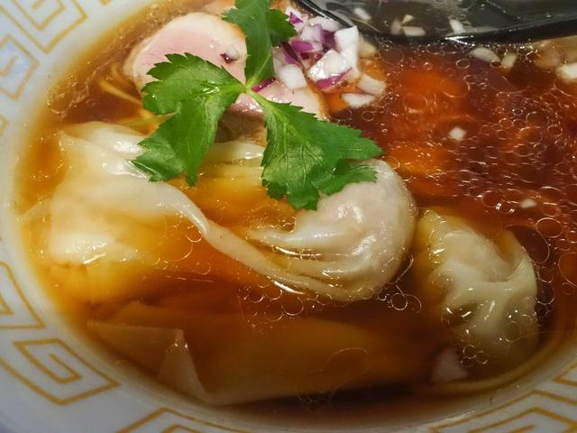 フォアグラ入り鴨ワンタン醤油らぁ麺 5_edit