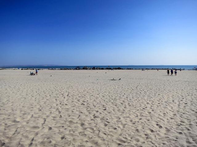 ホテル前のビーチ 2_edit