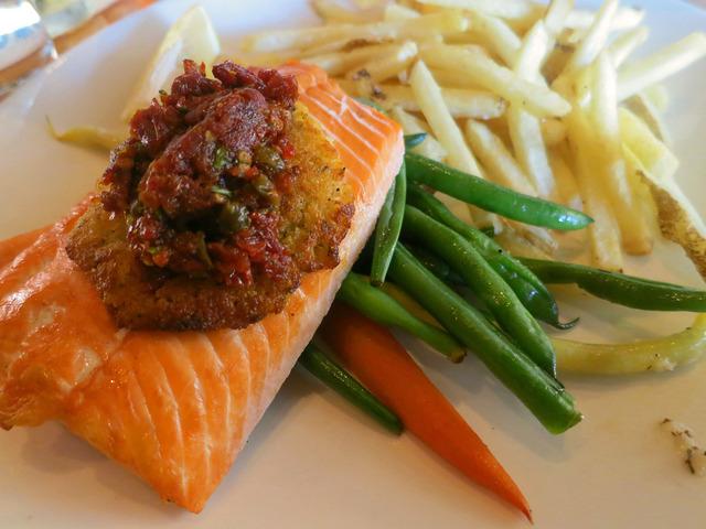 Horseradish-Crusted Salmon 3_edit