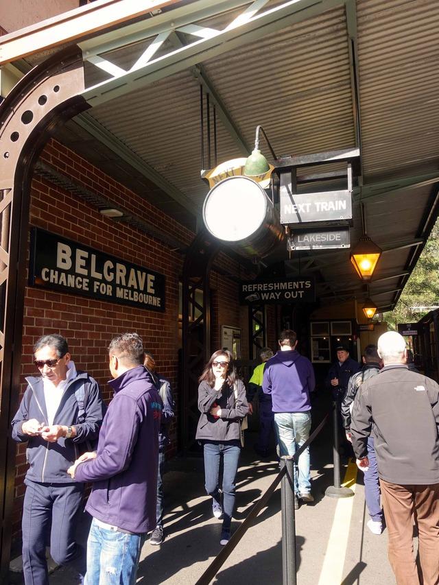 Belgrave 駅 9_edit