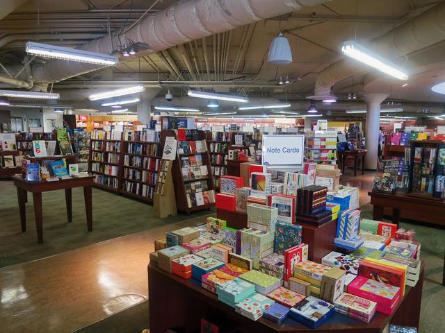 Bookstore 5_edit