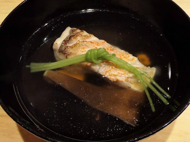 甘鯛とアワビ茸のお椀 1_edit