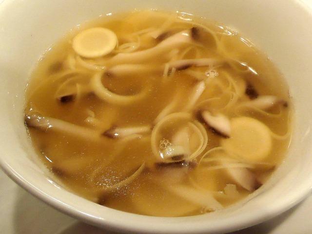 冬タケノコの穂先と干しシイタケのスープ 2_edit