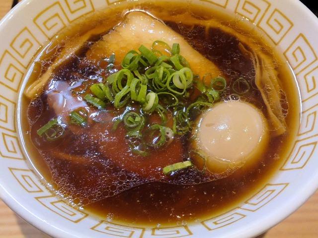 味玉醤油らぁ麺 2_edit