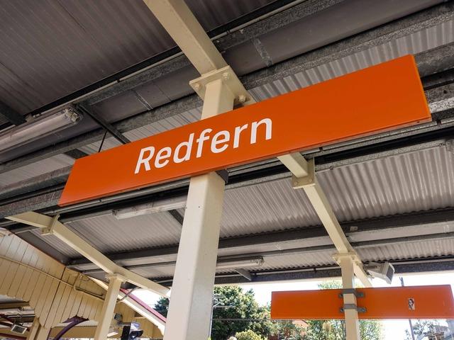 Redfern 駅 6_edit