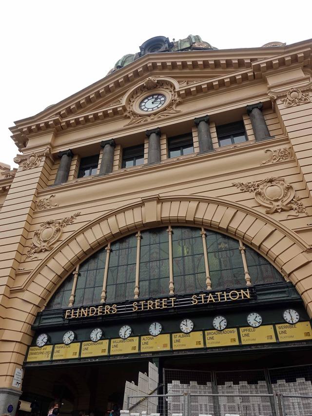 フリンダース・ストリート駅 9_edit