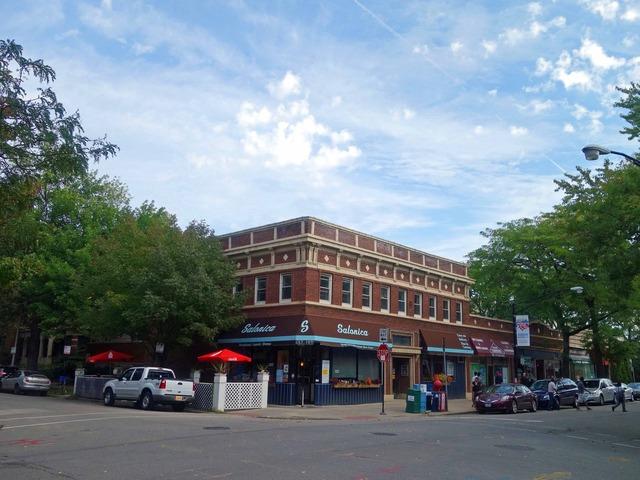 57th St と Blackstone Ave の交差点_edit
