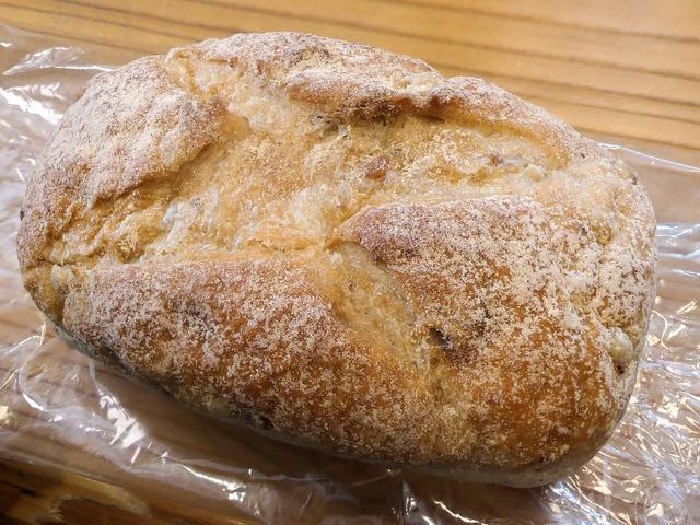 もち麦とクルミの食パン 1_edit