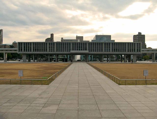 広島平和記念資料館 3_edit