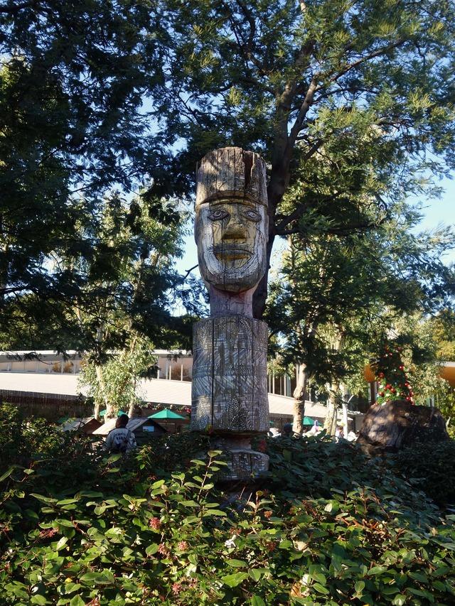 アボリジニの墓標彫像 5_edit
