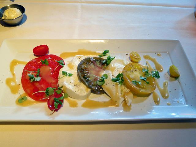 Heirloom Tomato Salad 1_edit