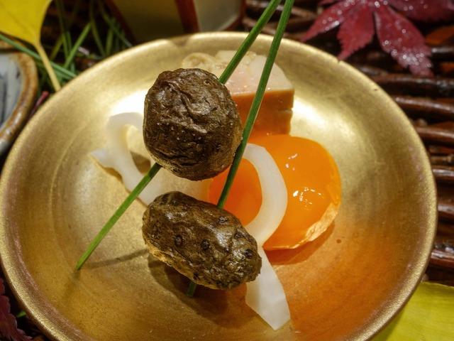 八寸(ムカゴ,レンコン,卵黄の味噌漬け,アンキモ) 1_edit
