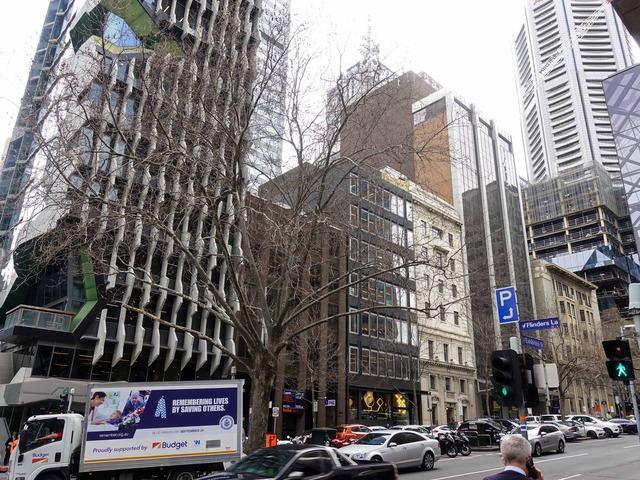 Flinders Lane と Exhibition St の交差点 4_edit