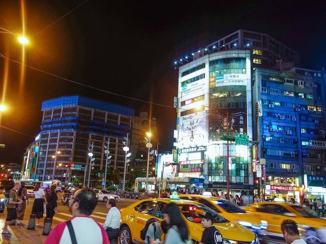 成都路と漢中街の交差点 2_edit