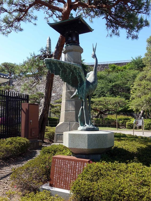 鶴の像 1_edit