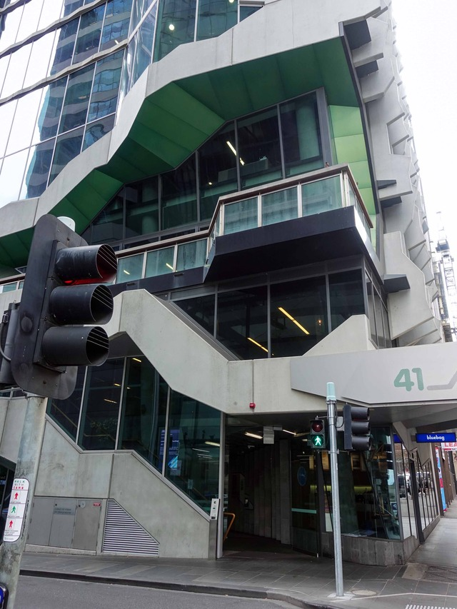Flinders Lane と Exhibition St の交差点 2_edit
