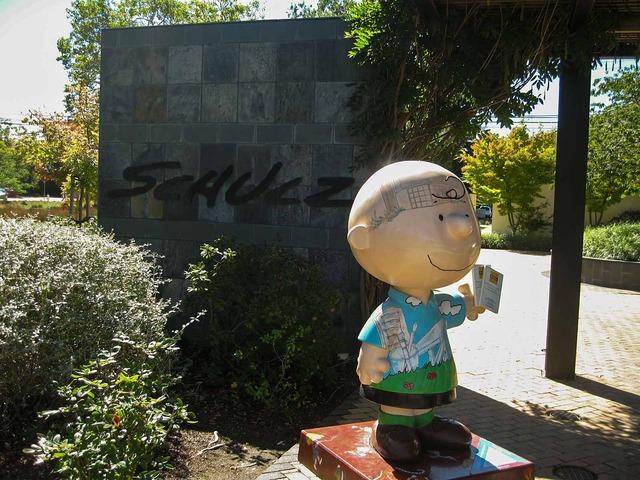 入り口の Charlie Brown 2_edit