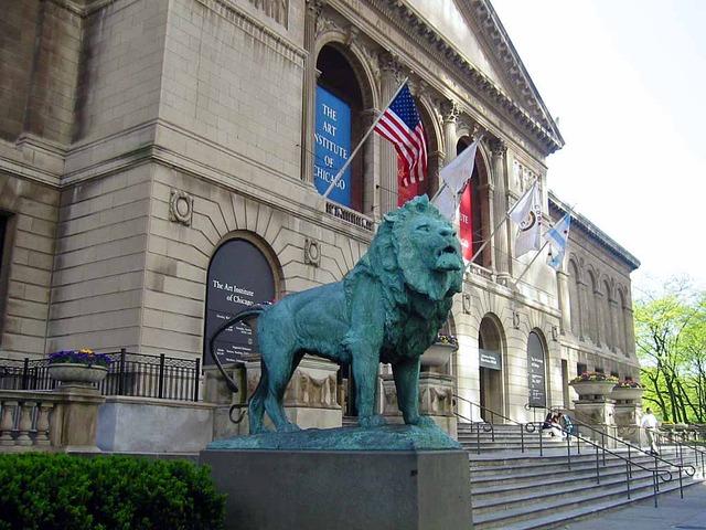 シカゴ美術館前のライオン像_edit
