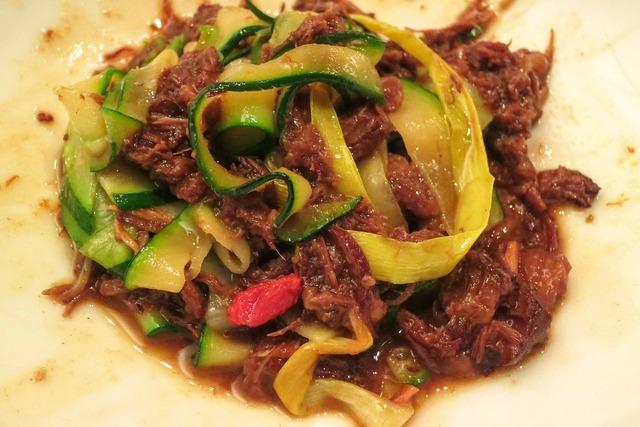 4種の野菜のパスタ仕立て 牛スジ肉のラグーソース 4_edit