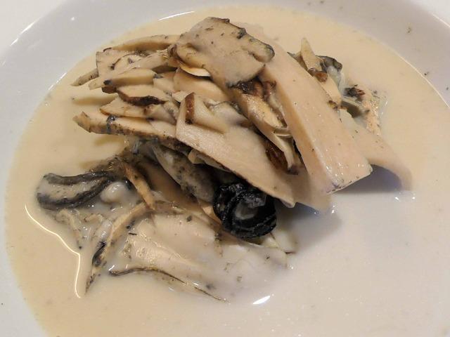 牡蠣と松茸の軽い蒸し煮,チャウダー仕立て 4_edit