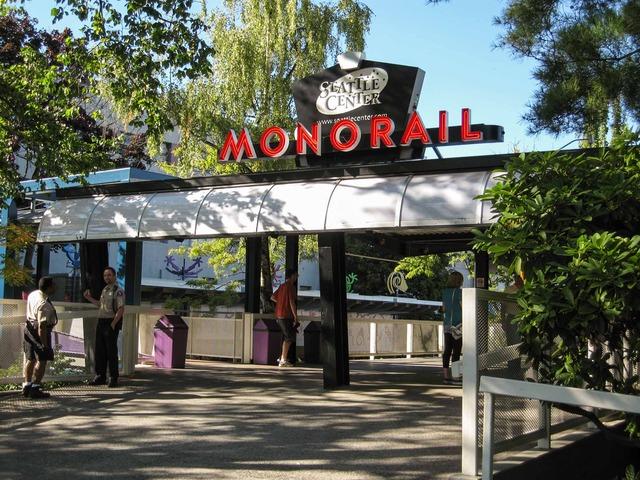 Seattle Center_モノレール乗り場 3_edit