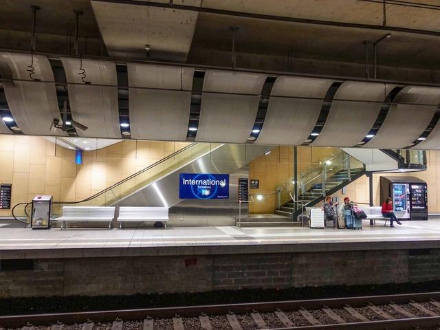 International Airport 駅 7_edit