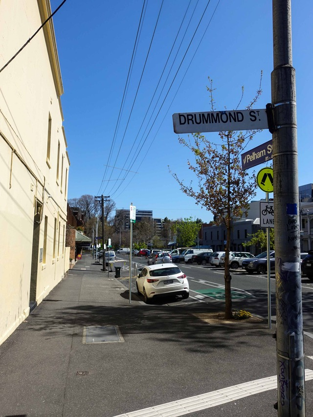 Drummond St と Pelham St の交差点 1_edit