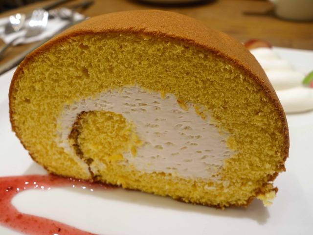 ロールケーキ,フルーツ添え 2_edit