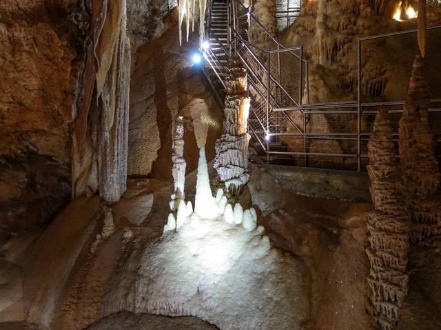 Orient Cave 130_edit