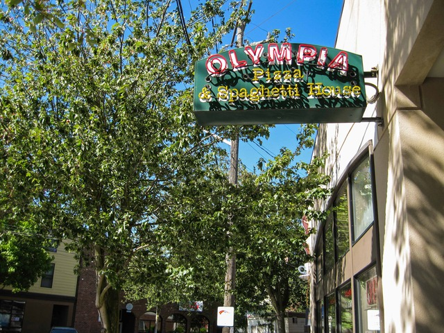 Queen Anne Hill_Olympia Pizza & Spaghetti House_edit